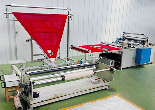 Model 1300 folding machine